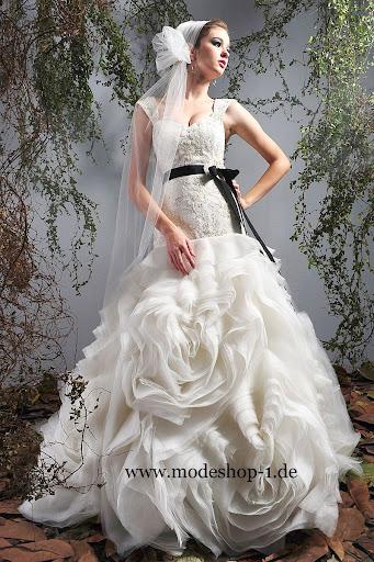 Brautmode brautkleid neufundland 3 4 arm abendkleid 2012 lang in lila 44 46 a line a - Italienische kommunionkleider ...
