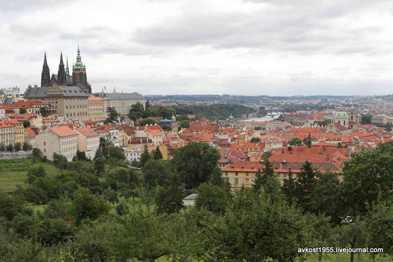 Вид на Прагу от Страгового монастюря