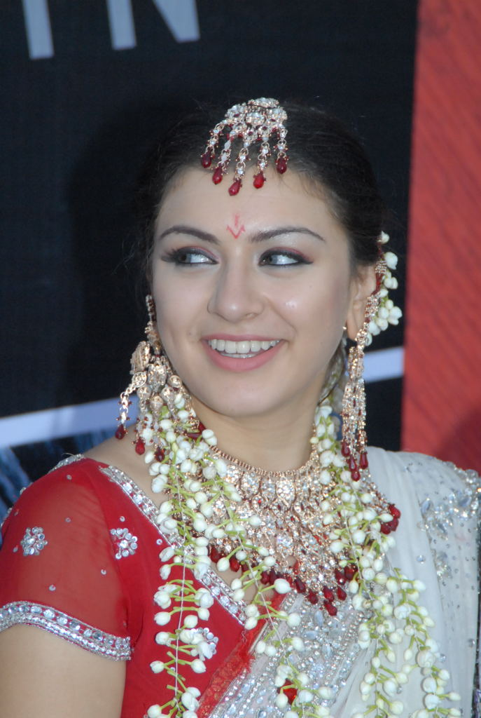 hansika wallpaper. saree wallpaper, hansika