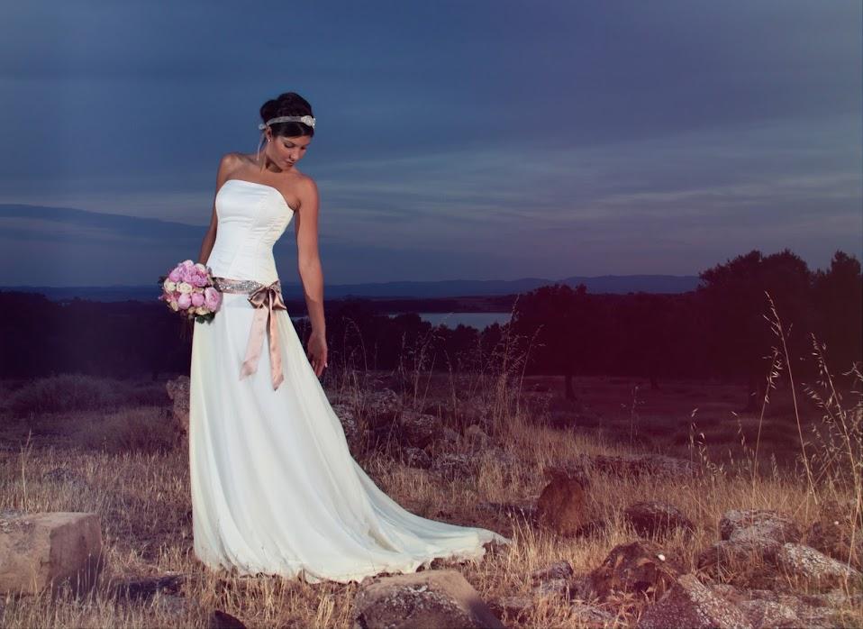 Vestido de novia con corset y falda de gasa de seda