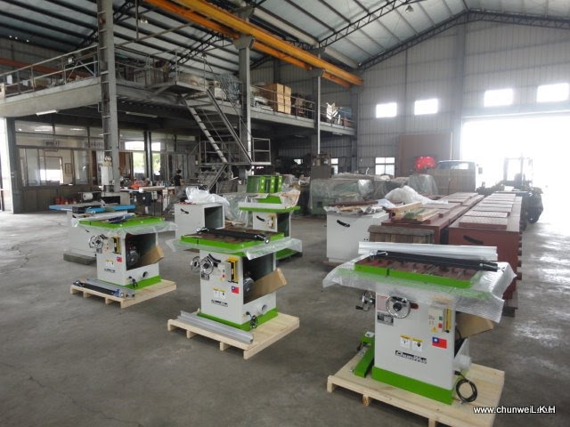 Chun WEii Table Saw