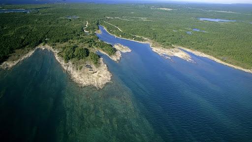 Baptist Harbour, Lake Huron, Tobermory, Bruce Peninsula, Ontario, Canada.jpg