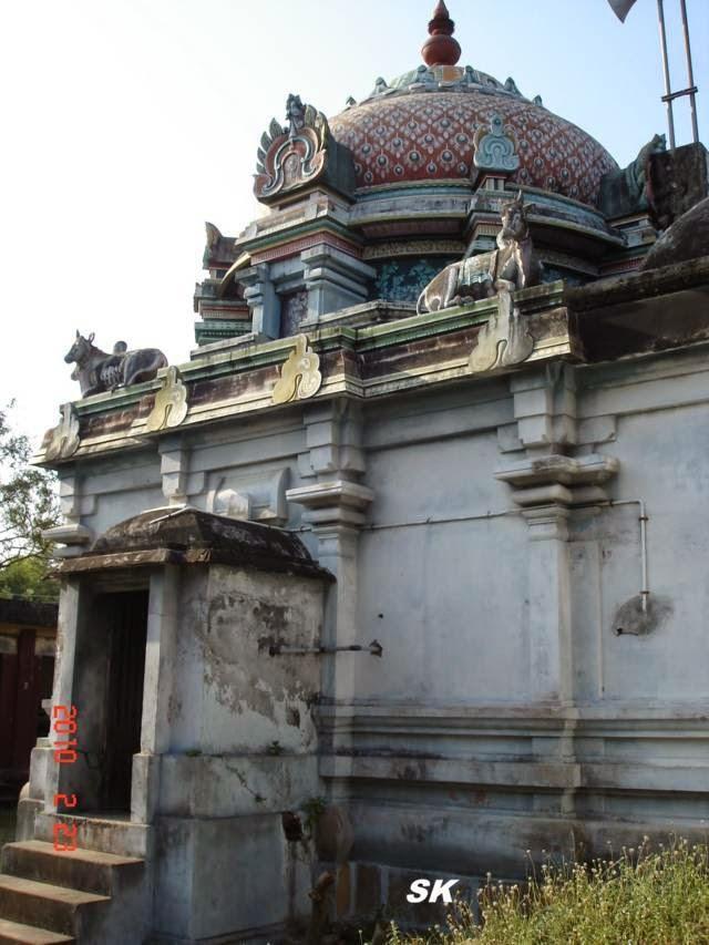Sri Kunthalanathar Temple, Thirukkurukukka, Mayiladuthurai - 275 Shiva Temples