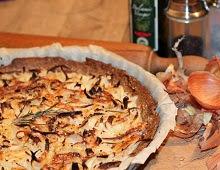 Tarte à l'oignon, romarin et piment d'Espelette