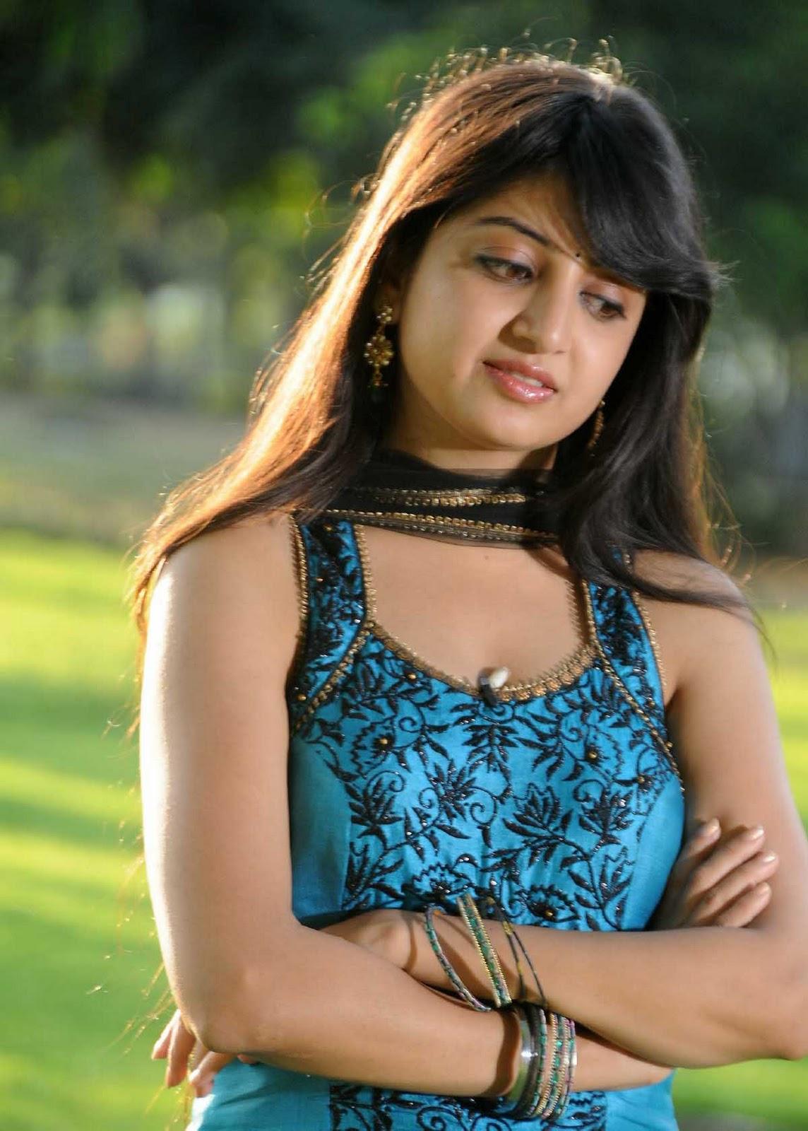 Desi indian tamil telugu kannada malayalam hindi horny cheating wife vanitharavei today i am very horny so i fuck banana with condom - 1 7
