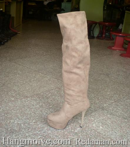 Boots cao cổ quá đầu gối, da lộn, gót nhọn, màu be - Chỉ với 1.090.000đ