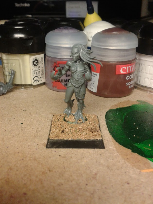 Magnetic Daemonette on base