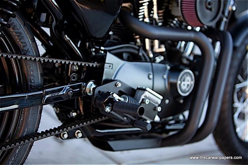 DP Customs Black & White