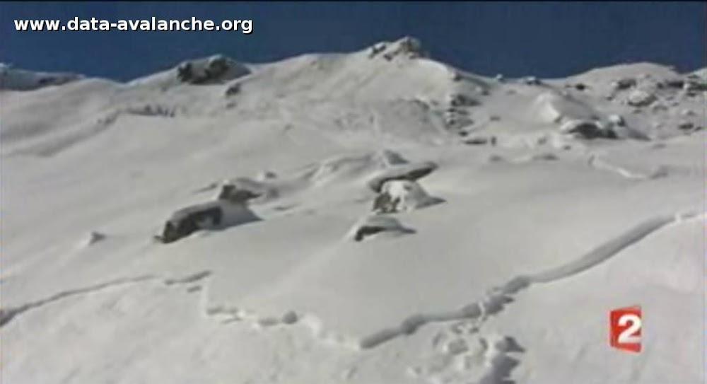 Avalanche Valais, - Photo 1