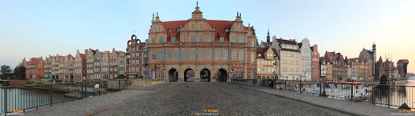 Gdańsk - Długie Pobrzeże i Zielona Brama o świcie