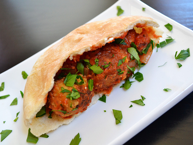 chickpea (not) meatballs in pita