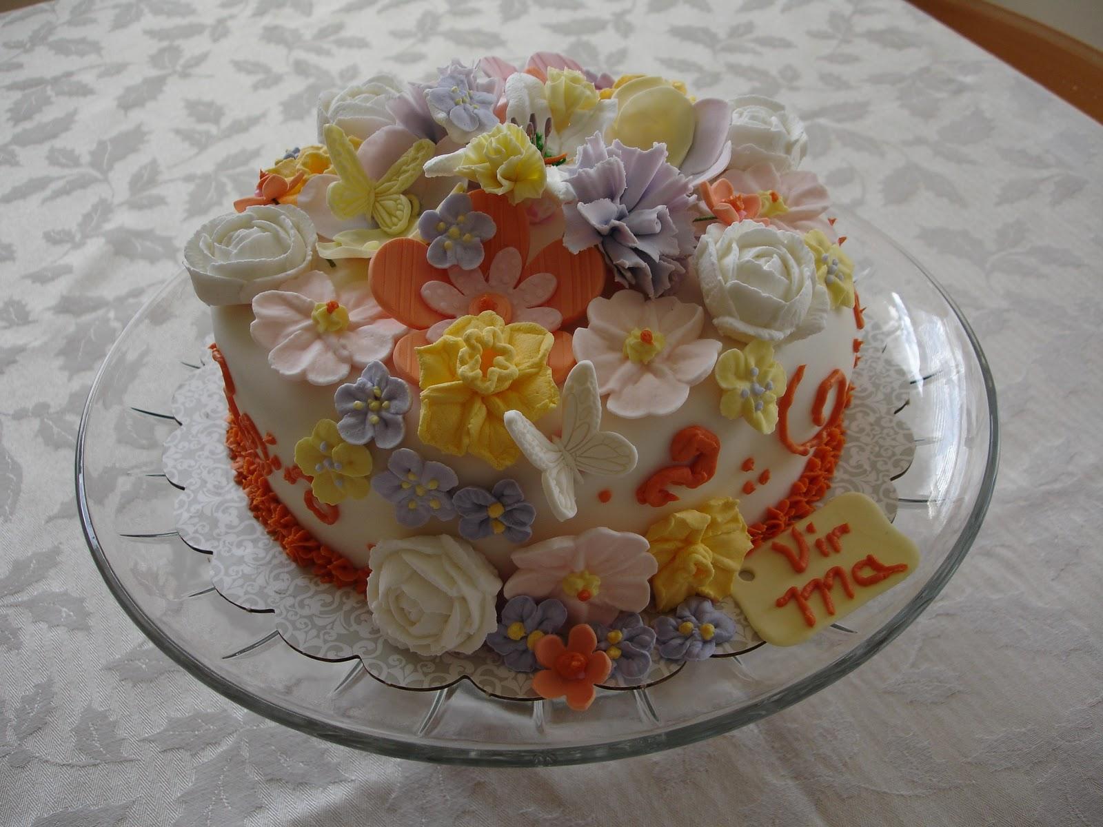Sugar and Spice: Wilton cake decorating class II