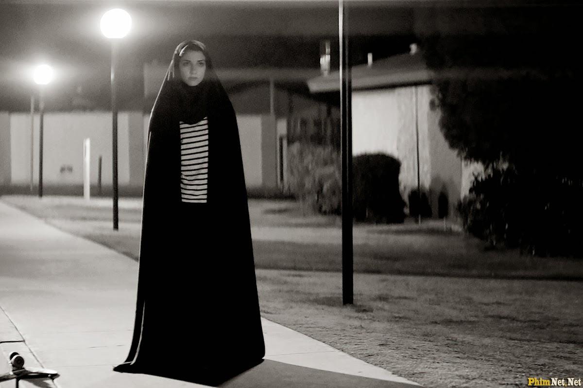 Xem Phim Cô Gái Về Nhà Một Mình Ban Đêm - A Girl Walks Home Alone At Night - Wallpaper Full HD - Hình nền lớn
