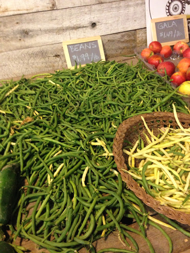 Fresh green beans, farmers market
