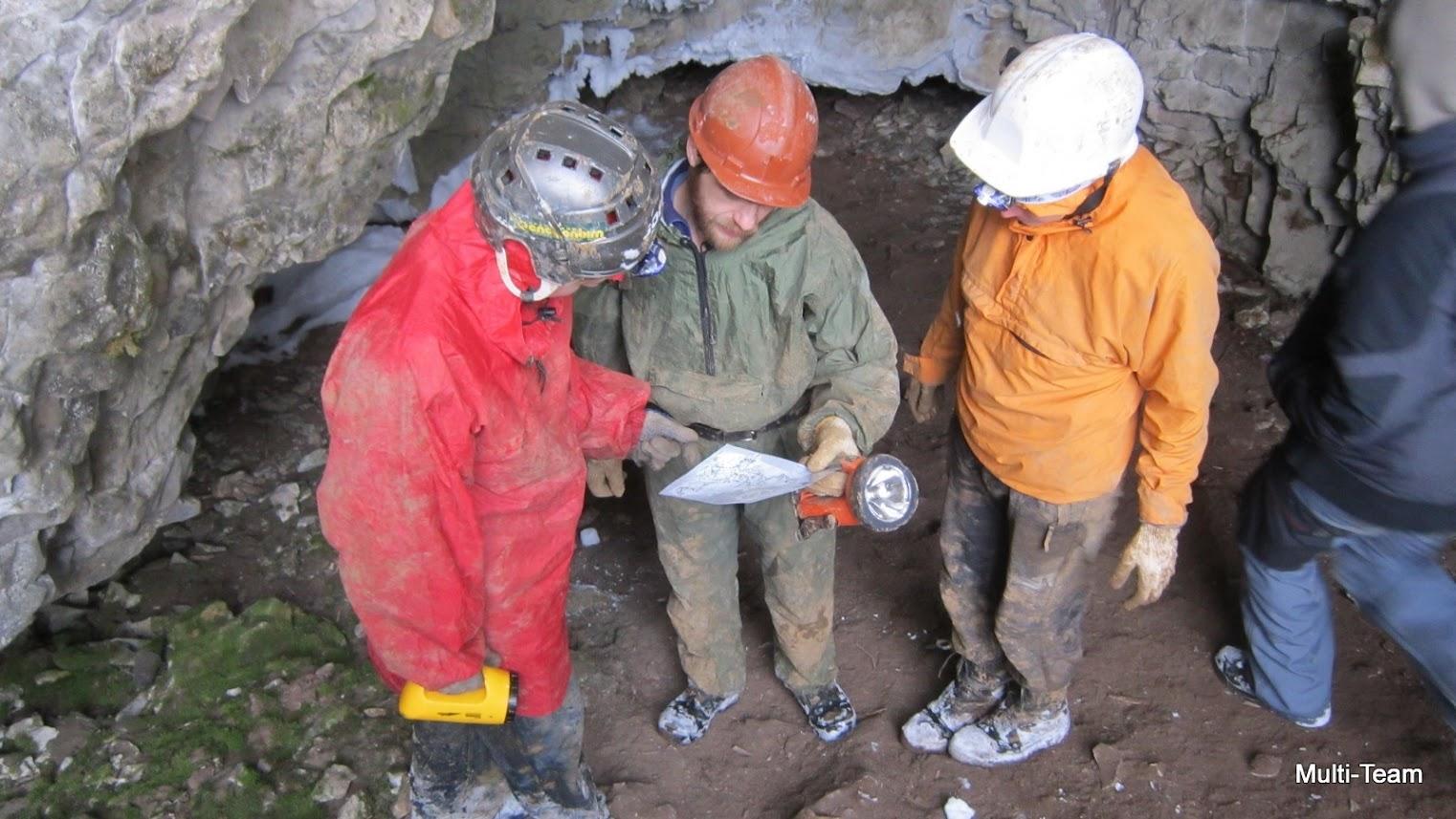 Картинка геолог за работой