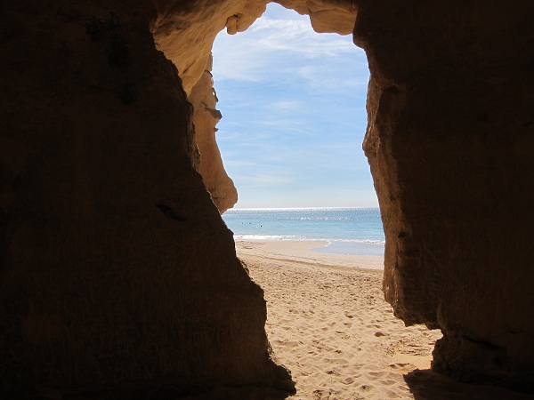 portimao beach cave