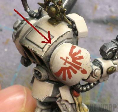 weathering chipped paint over light colored armour