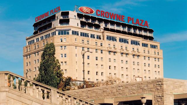 Crowne Plaza Niagara Falls - Fallsview Hotel, 5685 Falls Avenue, Niagara Falls, ON L2E 6W7, Canada