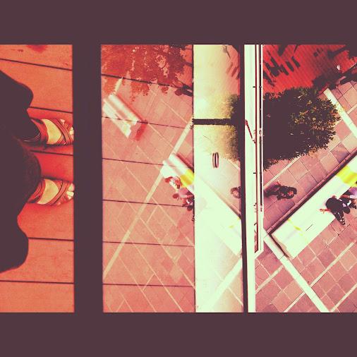 Another dimension #mymobilemonday  #mofomo  #shoesmonday  #mirrormonday  #instagrammonday  #mob...