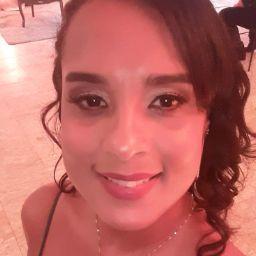 Michele Cruz Photo 13