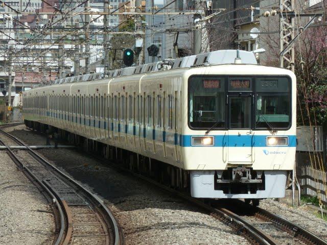 小田急電鉄 快速急行 相模大野行き1 8000形(東京電力計画停電に伴う運行)