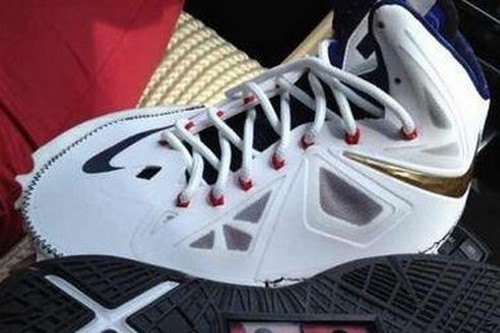 This is How Nike LeBron X 10 Looks Like in Pieces