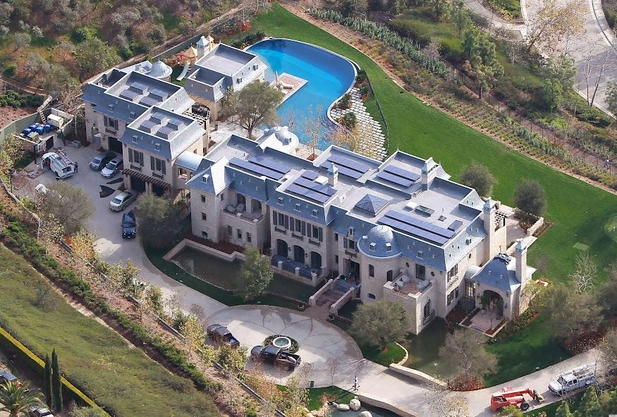Gisele Tom Mansion 1