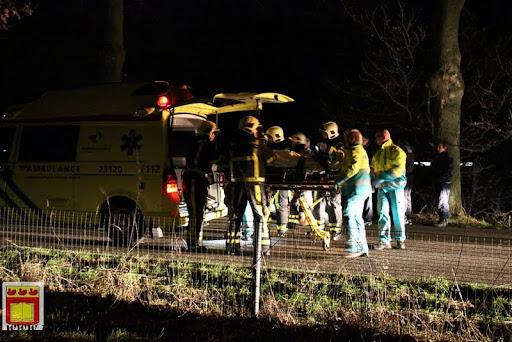 Automobilist gewond bij eenzijdig ongeval op de grens overloon venray 11-12-2012 (12).JPG