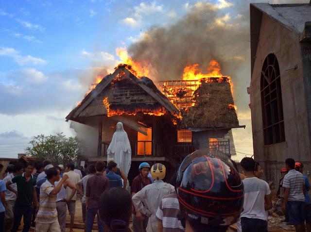 Hỏa hoạn tại Giáo xứ Trà Kê
