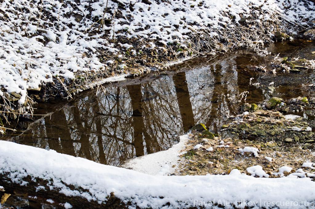 Речушка зимой в Торезе