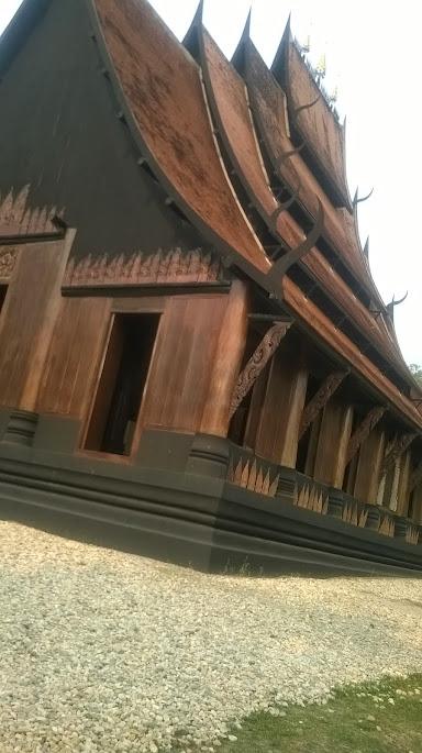Schwarzer Tempel bei Chiang Rai