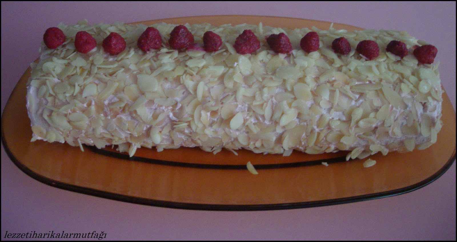 Frambuazlı Rulo Pasta