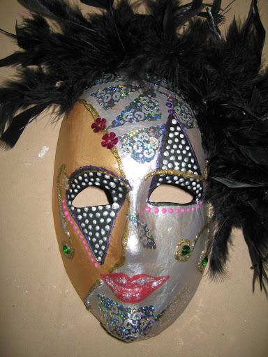 Maskers schilderen op buurvrouwendag 024.jpg