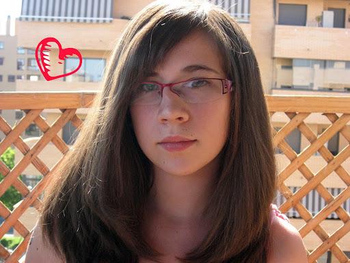 Clara Abad Photo 14