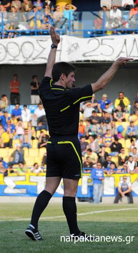 Ο  Ναυπάκτιος  διαιτητής Δημήτρης Στυλιαράς στην Super League