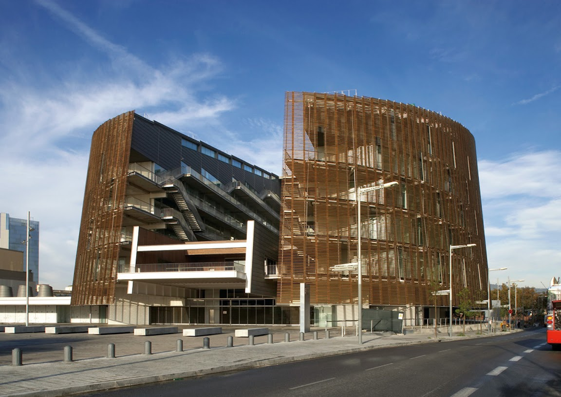 Barcelona Biomedical Research Park  design by Manel Brullet & Albert de Pineda