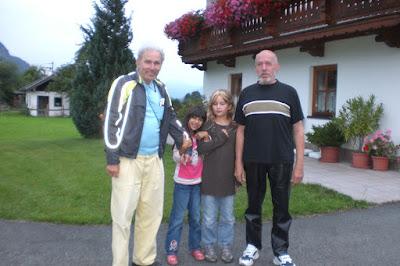 Obermaurach, Tirol, Österreich, 28. Juli 2011, Friedo, Elina, Kim & Rudi {BT110728-2012.jpg}