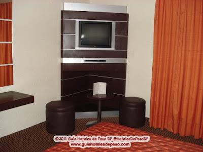 Guia hoteles de paso df cdmx hotel y villas ajusco for Muebles para televisiones planas