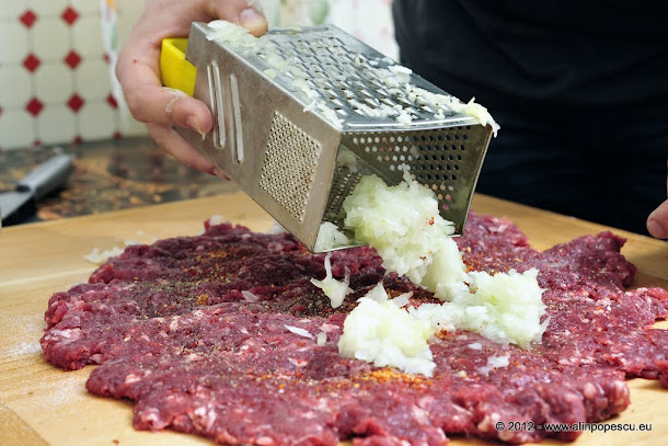 Razvan Anton - carne pentru ketch-up cu ceapa