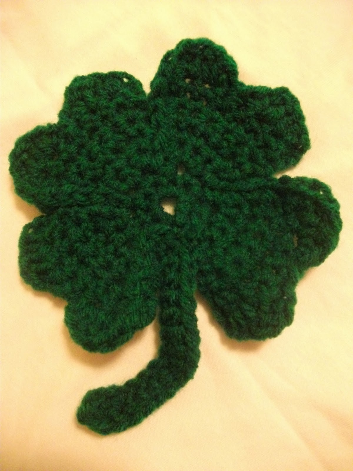Free Crochet Patterns Four Leaf Clover : The Worsted Crochet Blog: Free St Patricks Day Patterns