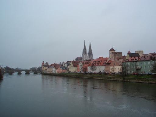 ドナウ川と旧市街