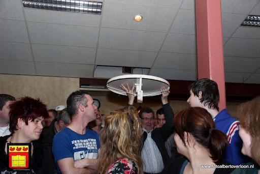 Groots 't dak göt d'r af feest  gemeenschapshuis.overloon 17-02-2013 (52).JPG