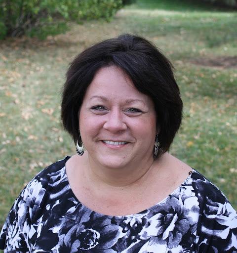 Tina Yates Photo 17
