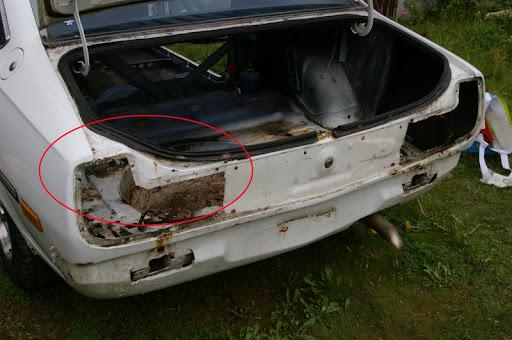 [MAZDA 121]Restauration Mazda 121 1977 Coffre1