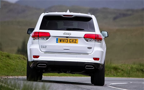 Jeep Grand Cherokee 2014 CRD V6 boot or trunk has 728 cubic litres of space