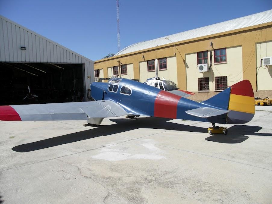 """Exhibición aerea de la Fundación """"Infante de Orleans"""". MILES+FALCON+SIX+M3C"""