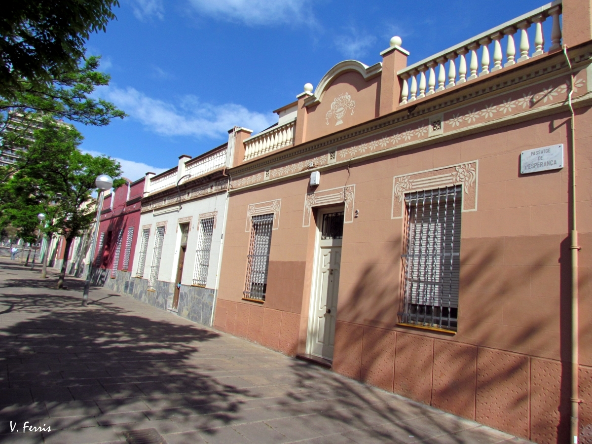 conjunto de casas baratas barcelona modernista