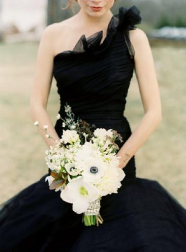 Wedding lady black wedding dress for Weddings with black bridesmaid dresses