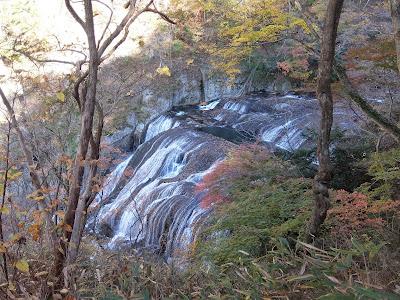 月居山と袋田の滝