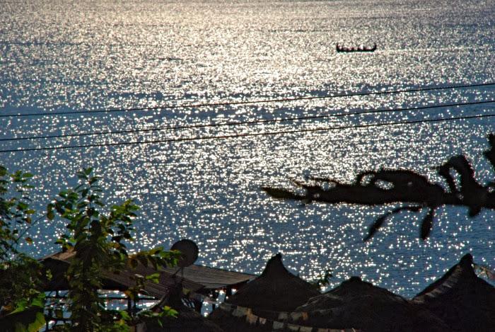 Золотистая гладь озера Фева